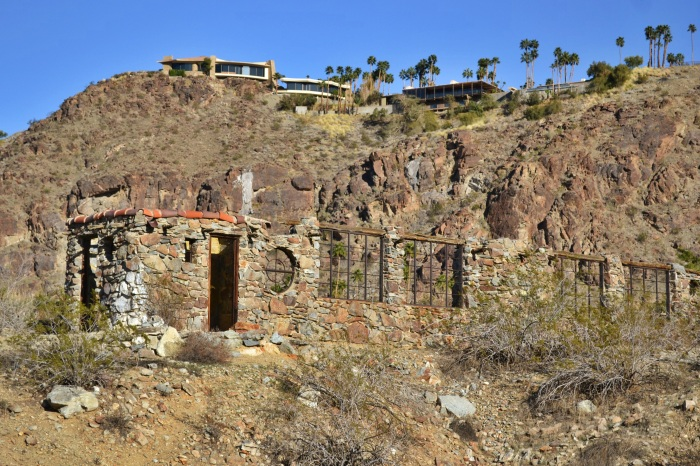 rock house ruins, Palm Springs, hikes